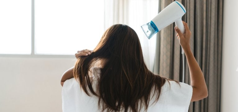 Tips Perawatan Rambut Agar Tetap Segar Saat Puasa