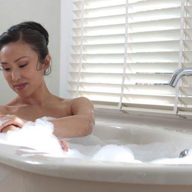 Kulit Terasa Lembut dan Ringan Dengan Dove Aqua Moisture Body Wash Baru