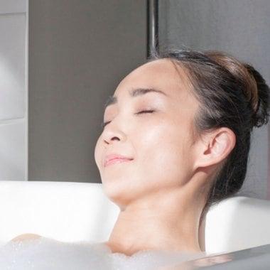 Dove Прийняття душу з відчуттями, як після ванни
